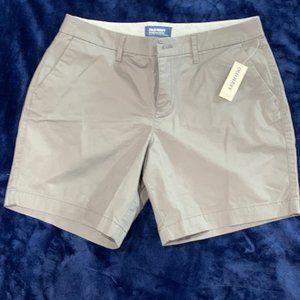 Old Navy Everyday shorts size 6.